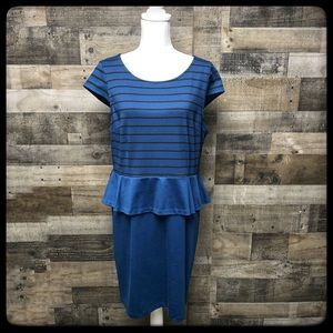 Elle dress  blue and black dress size XL